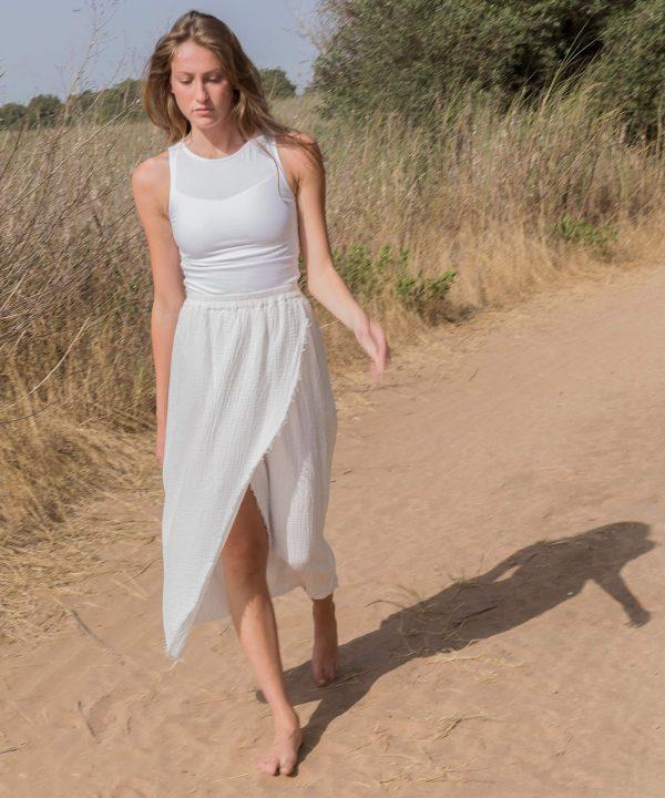Yoga Top white skirt